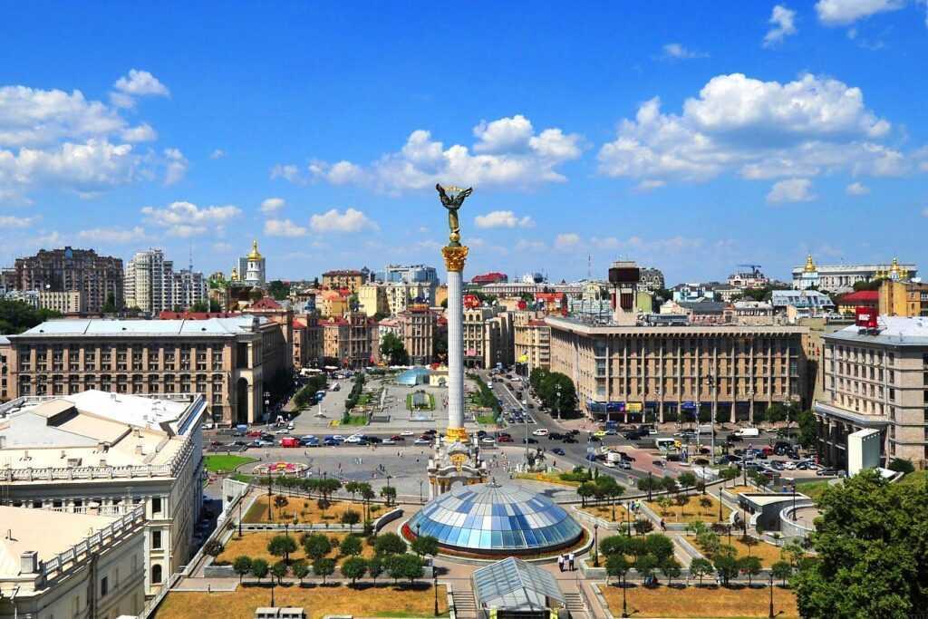 Виза в Украину для граждан России в 2021 году: необходимые документы и особенности