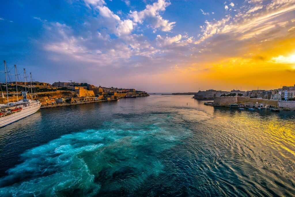 Виза в Мальту для россиян: условия, документы, стоимость и сроки