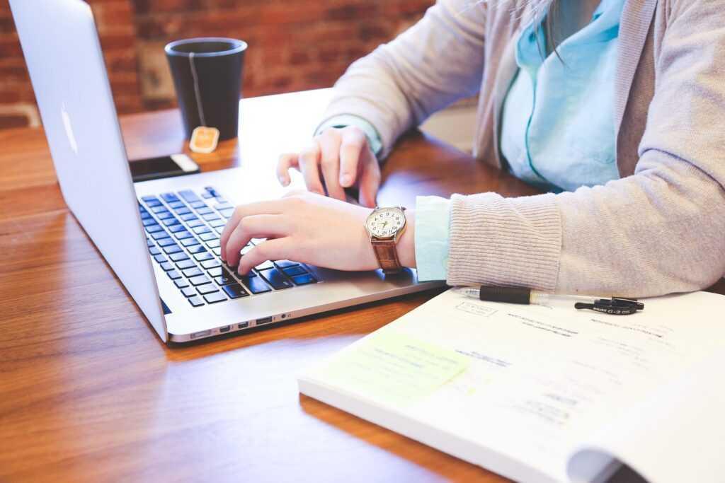 Оформление пособия по безработице: документы, сроки и размеры выплат